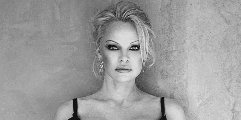 Pamela Anderson convinces Playboy Club to ditch foie gras