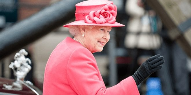 Queen Elizabeth II goes fur free to oppose fur farming practices