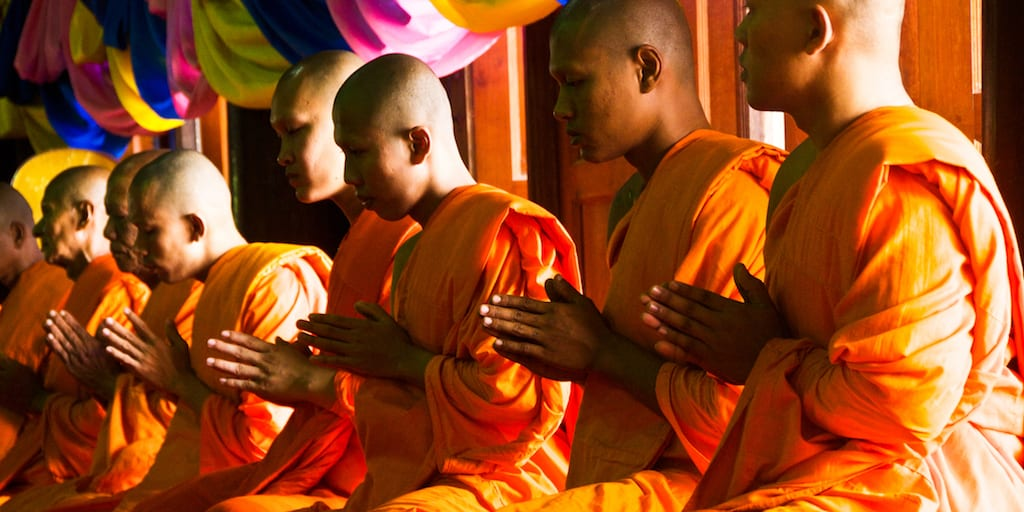 Thai Buddhist monks make robes out of plastic to curb ocean pollution
