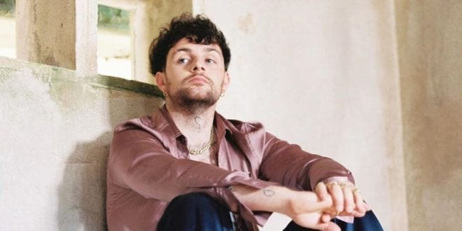 Brit singer Tom Grennan wants help to go vegan